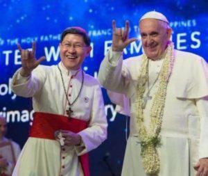 papa-francisco-gesto-satânico