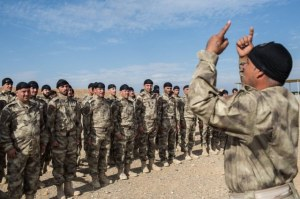milicia-crista-iraque-combate-estado-islamico